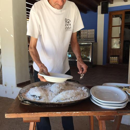 カラ・カルボというビーチにあるレストランで見つけた白身魚の塩漬け
