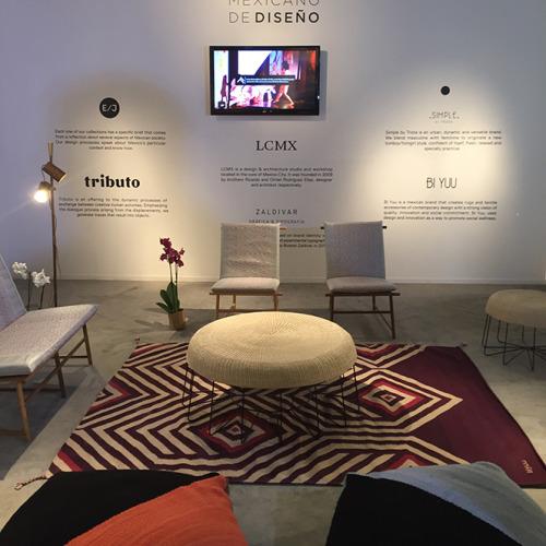 筆者が気に入ったブースの一つ。メキシコのデザイナー合同出展。中央にあるチェアはトリビュートというブランドのもので、デザイナーのラウラ・ノリエガさんは京都に住んだことがある。
