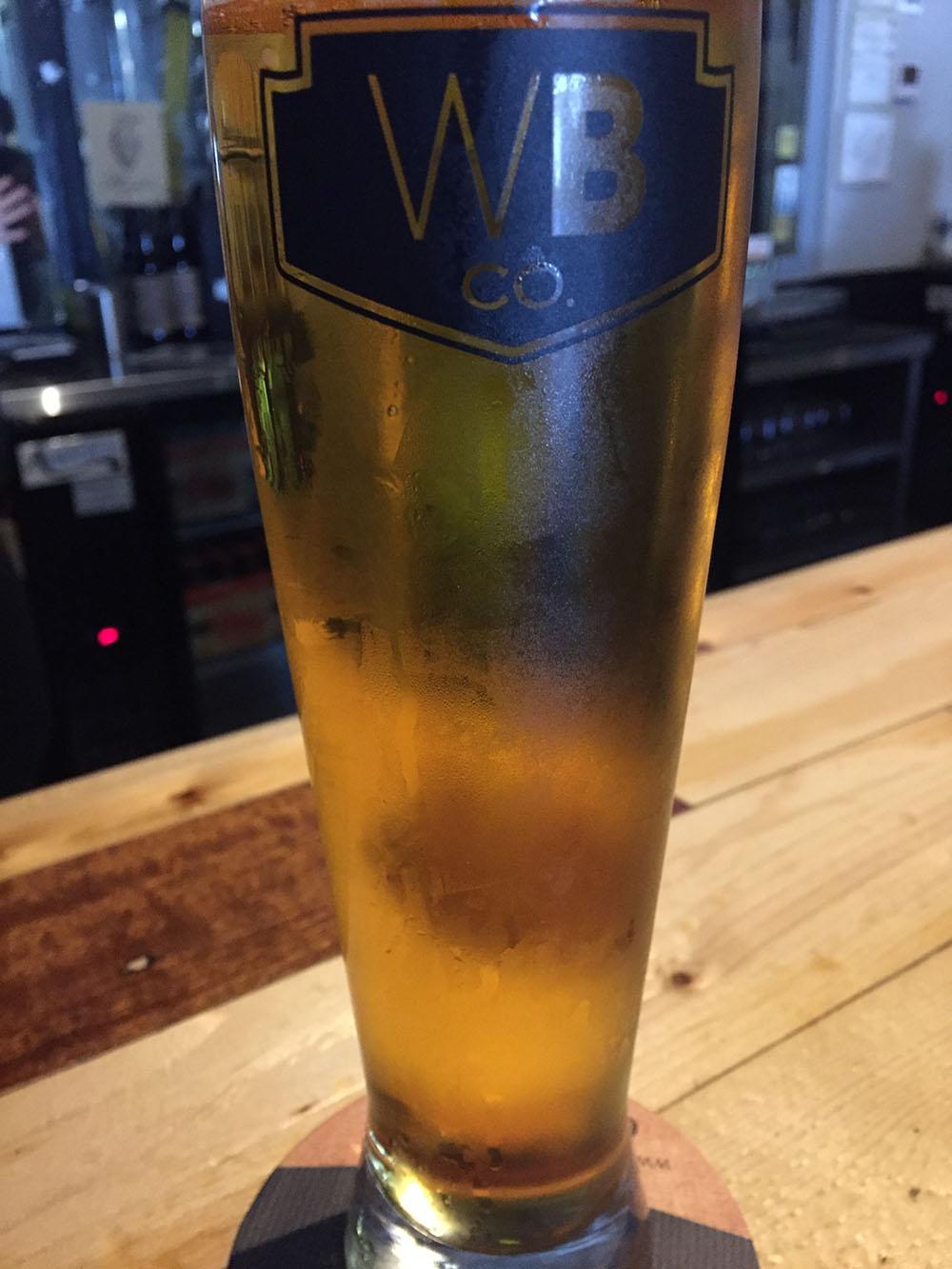 こちらがウインウッド・ブリュワリーのビール。濃厚だがさっぱりしている