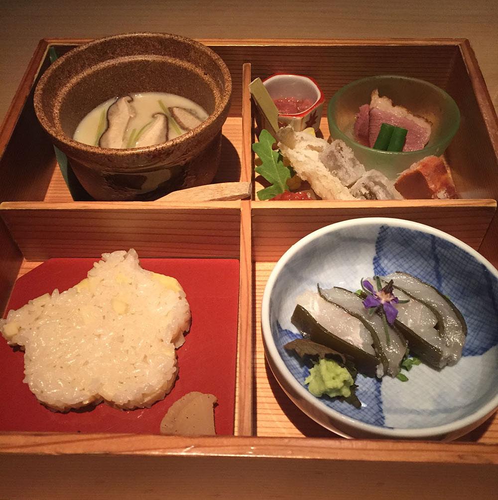 創作和食の「直江」にて舌鼓。シェフの出身地・金沢の醤油とマイアミ食材のハーモニーは◎